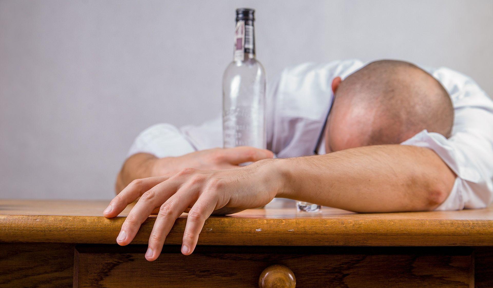 Vozač koji je kod Knina napuhao 3,16 promila alkohola osumnjičen i za napad na policajca