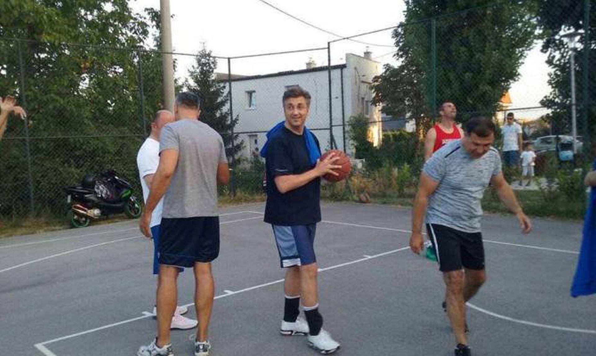 NA NACIONALOVO OTKRIĆE REAGIRAO PREMIJER Plenković: Gospodin Todorić je došao do Vlade, a ne Vlada do njega…