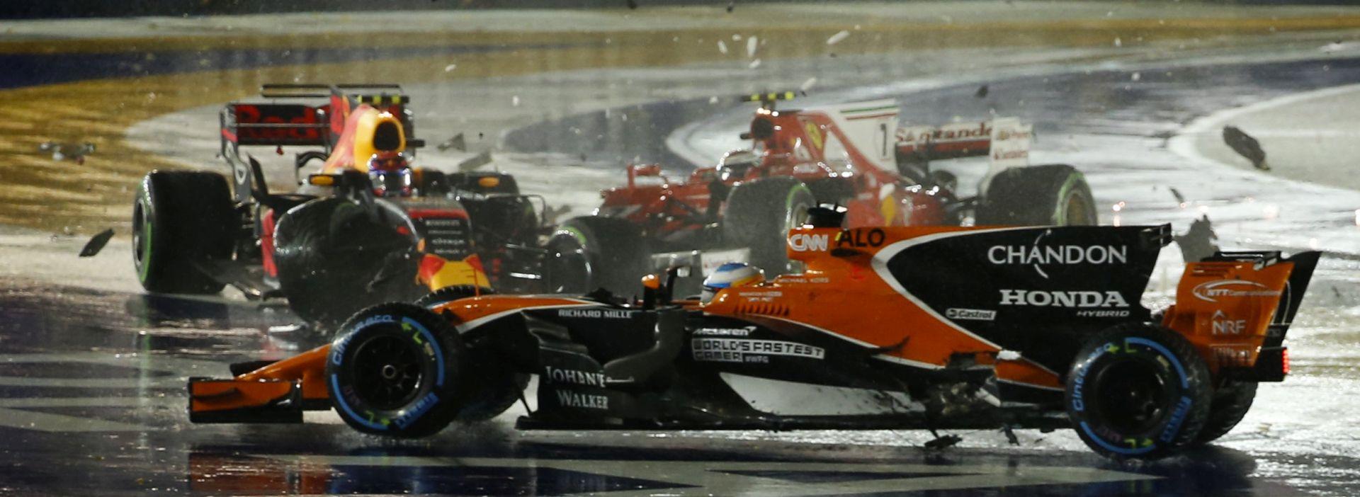 BRITANAC ISKORISTIO POKLON Hamiltonu VN Singapura, Vettel odustao