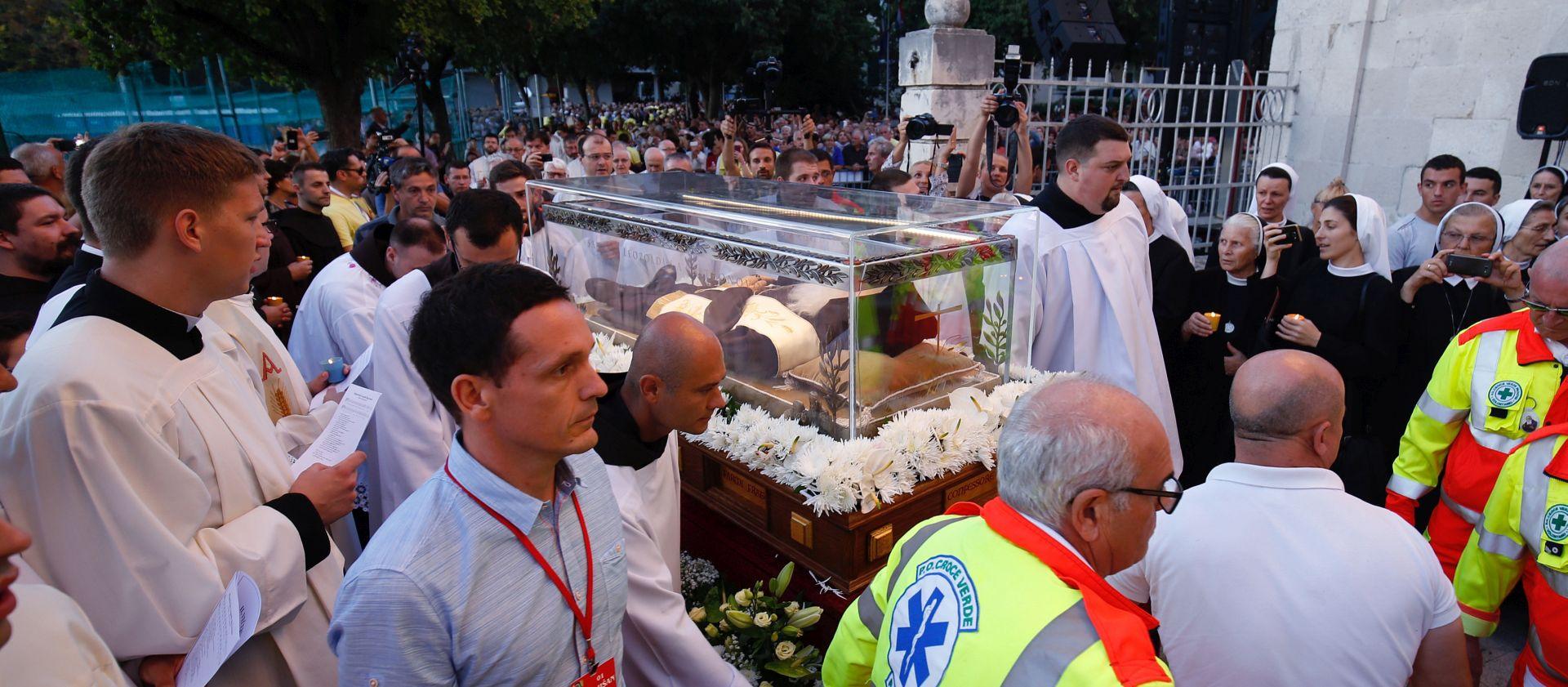 RIMOKATOLICI U TRANSU Relikvije sv. Leopolda Bogdana Mandića stigle u Split
