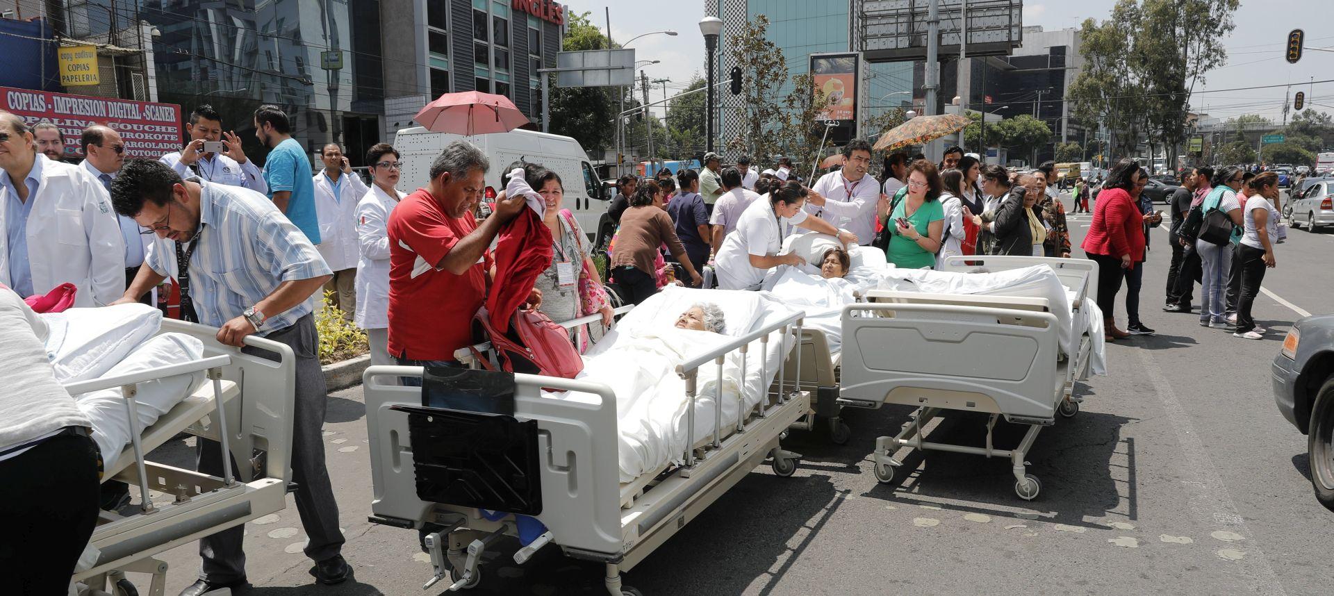 NA 32. GODIŠNJICU Više od 240 žrtava potresa u Meksiku