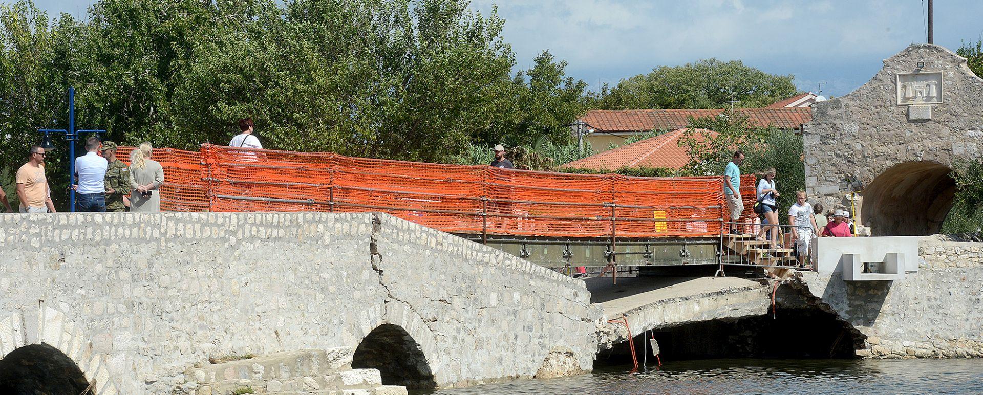 Protupoplavni vod Oružanih snaga završio montažni pješački most u Ninu