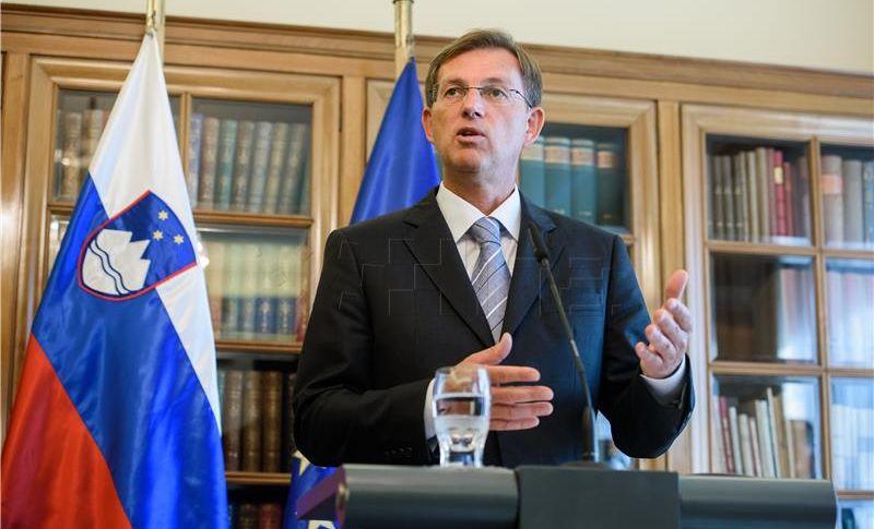 SLOVENIJA Parlamentarna sjednica o spremnosti vojske za arbitražu ipak će se održati