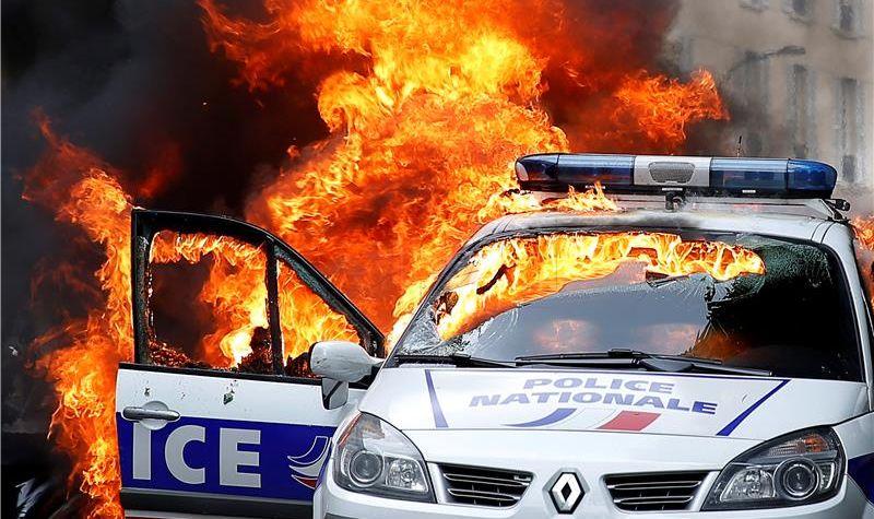 Predložene teške kazne za antifašističke aktiviste u Parizu
