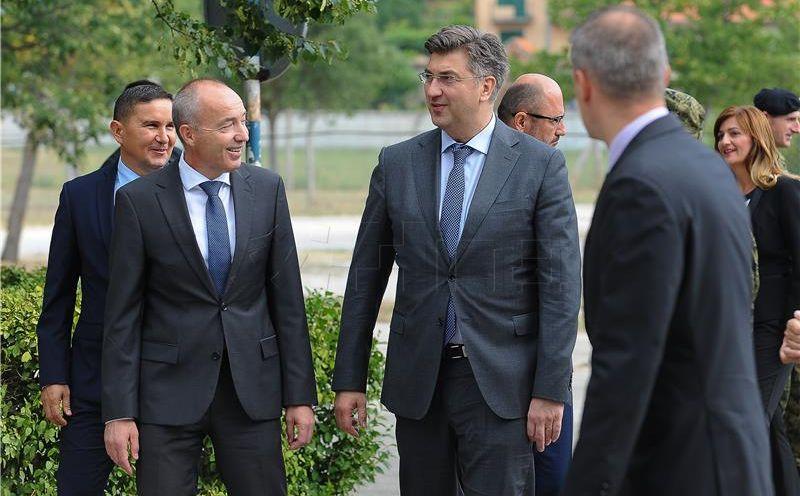 Plenković i Krstičević obići će poplavljena područja Zadra, vojnici u pripravnosti