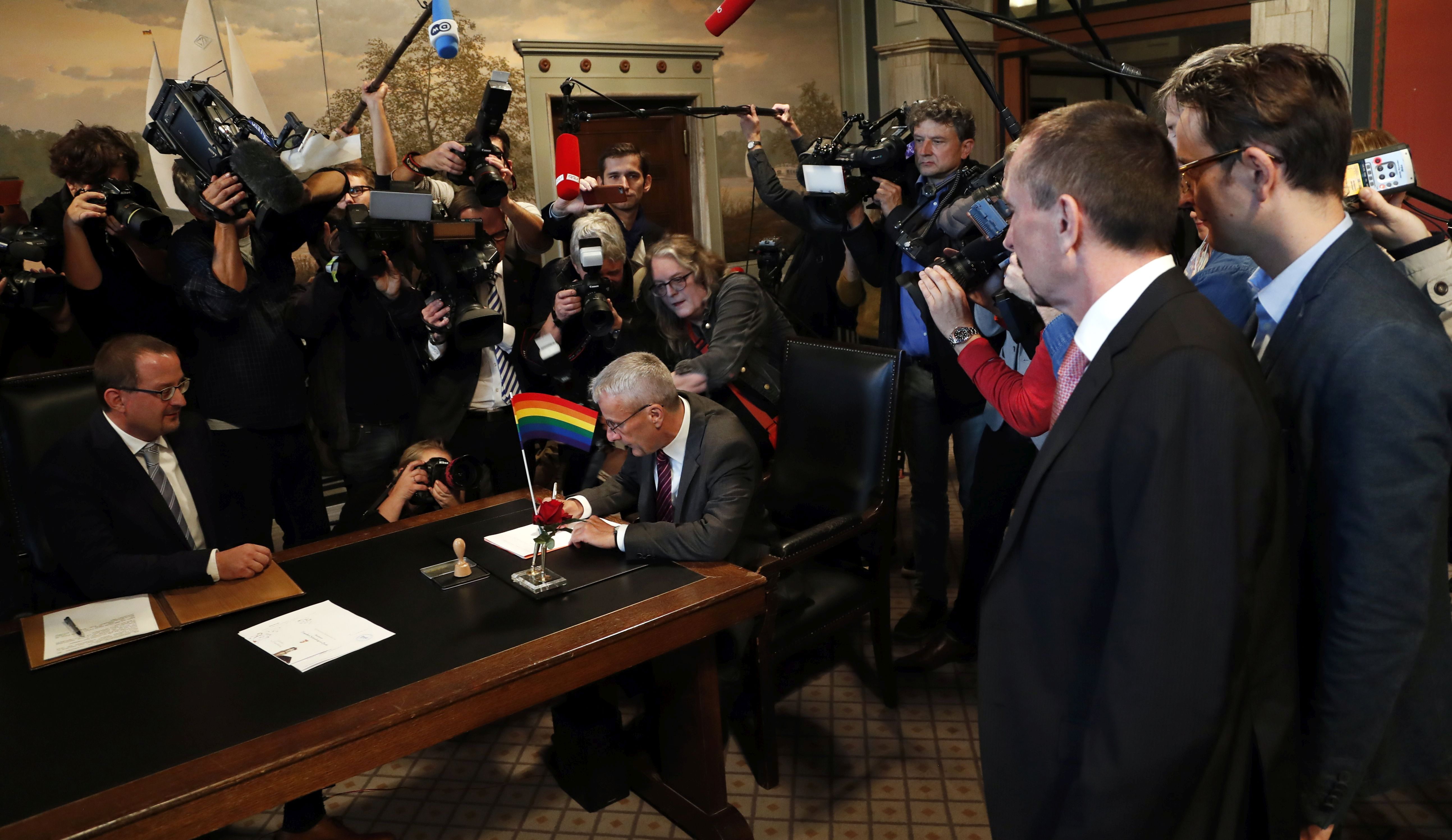 U Njemačkoj stupio na snagu zakon o istospolnim brakovima