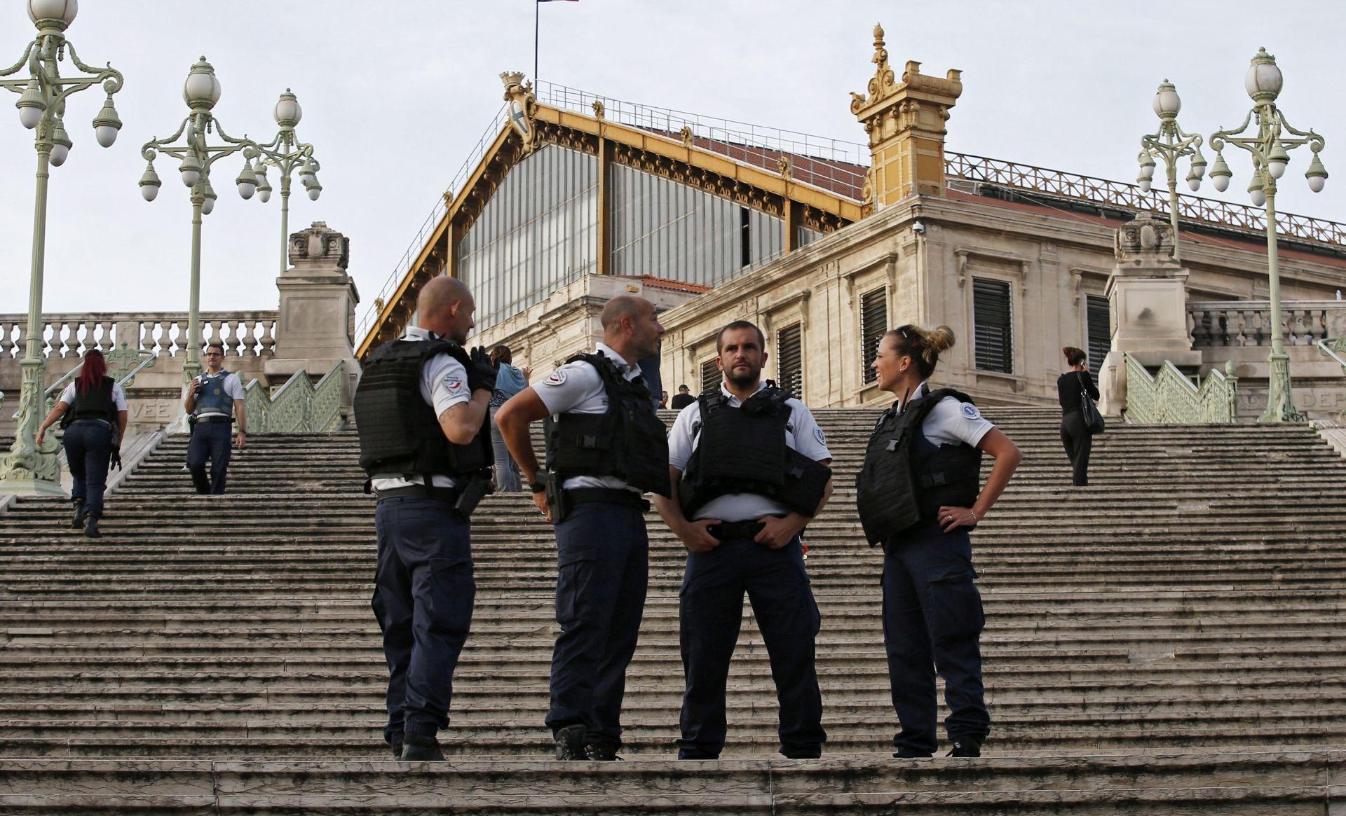 DVIJE GODINE NAKON NAPADA U Francuskoj ukinuto izvanredno stanje