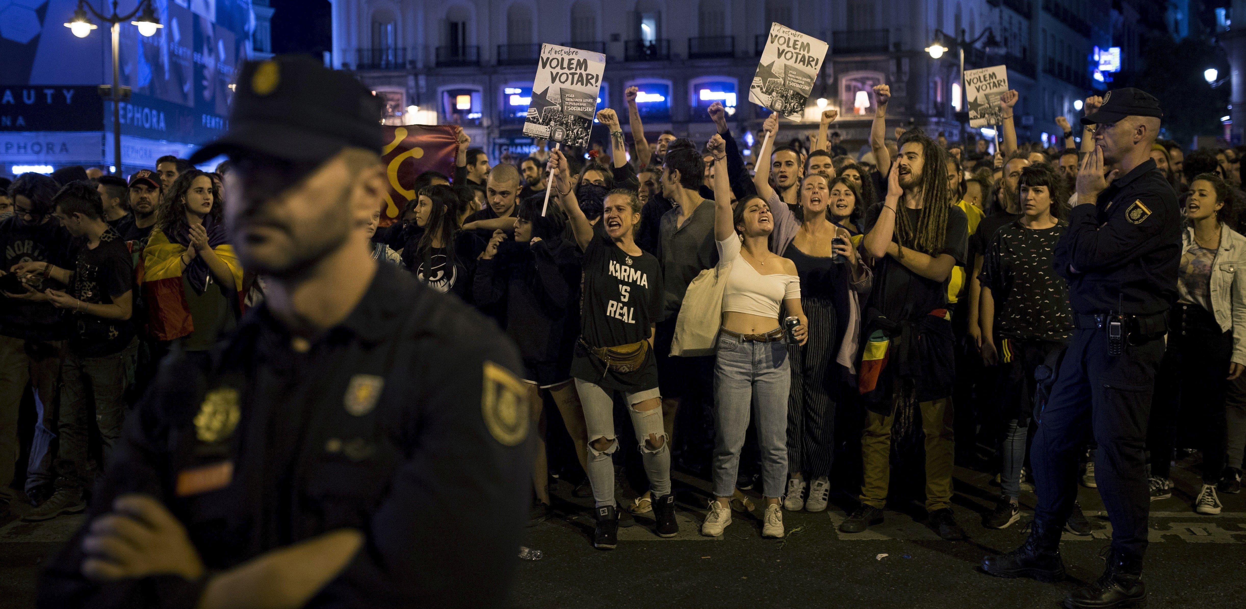 Studenti u Barceloni prosvjeduju zbog policijske represije tijekom referenduma u Kataloniji