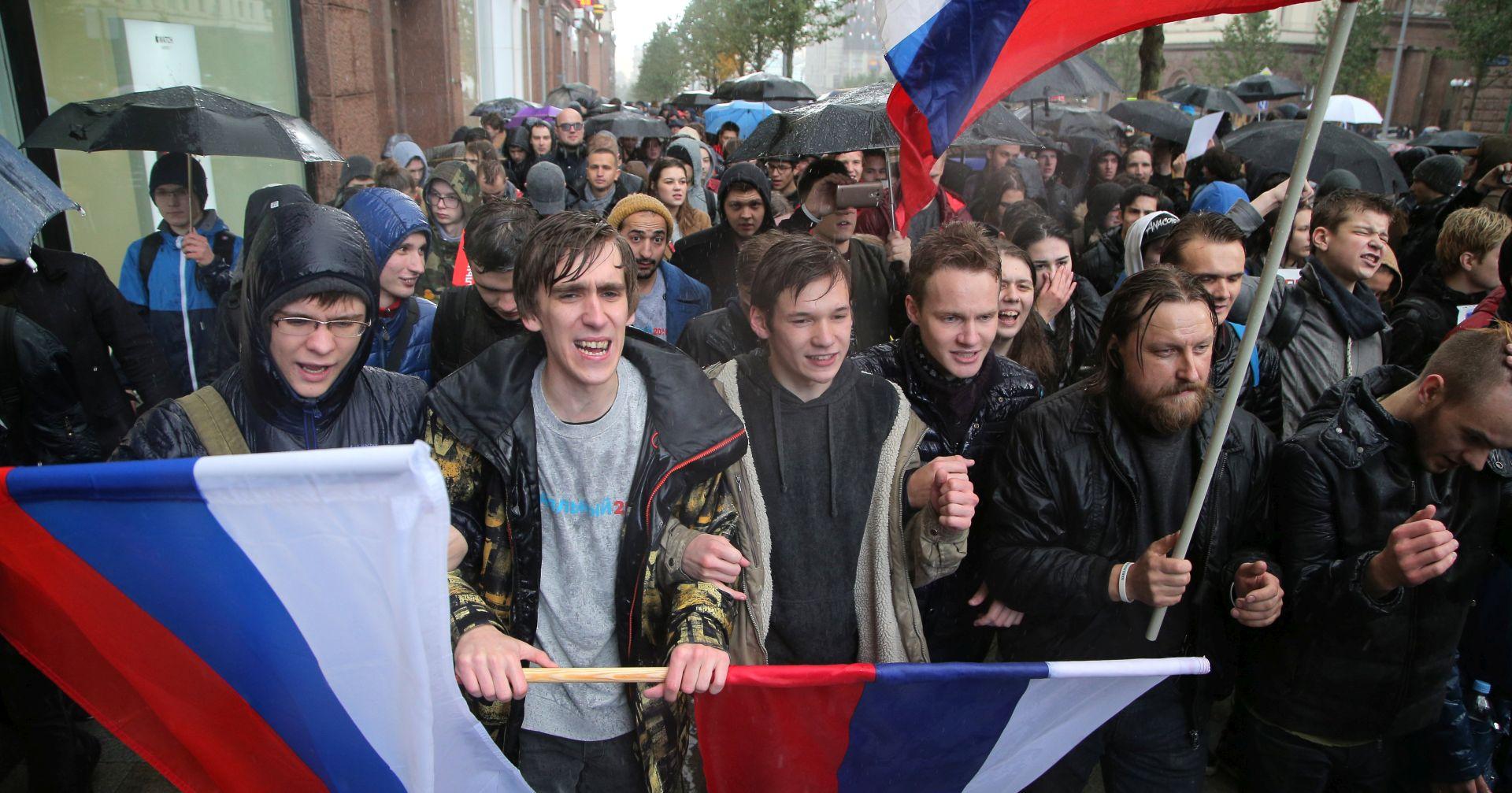 Amnesty: Na Putinov rođendan uhićeno najmanje 270 prosvjednika