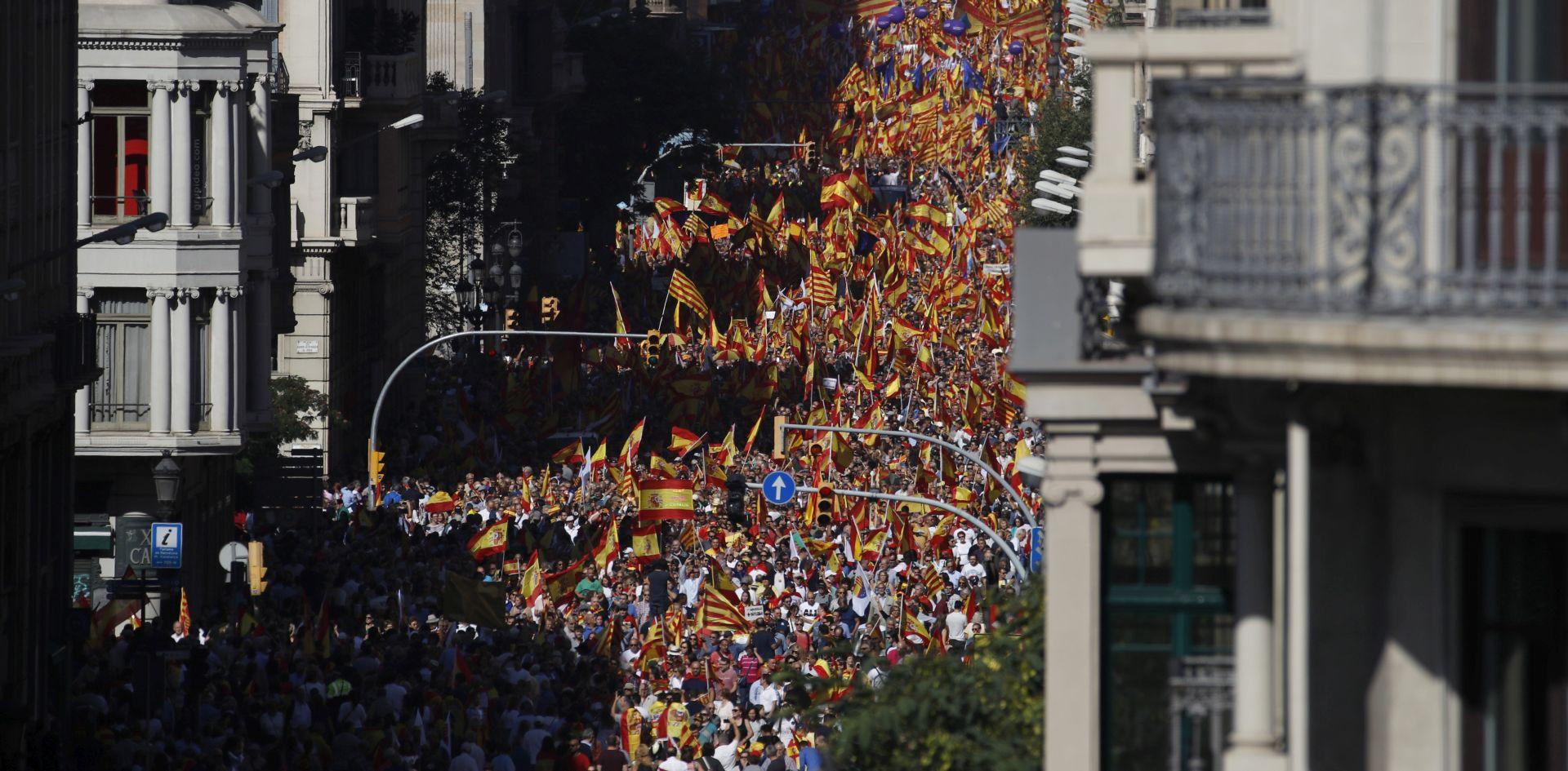 BARCELONA Tisuće prosvjednika protiv neovisnosti Katalonije