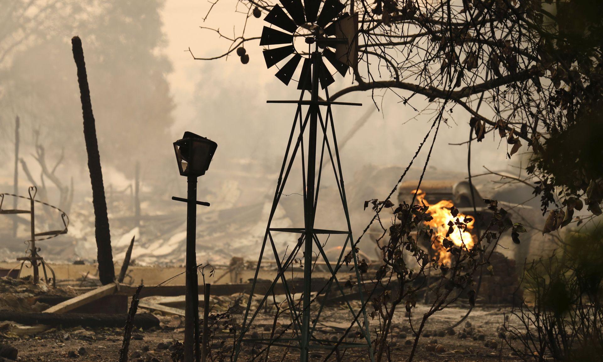 KALIFORNIJA U velikim požarima poginulo najmanje 11 osoba