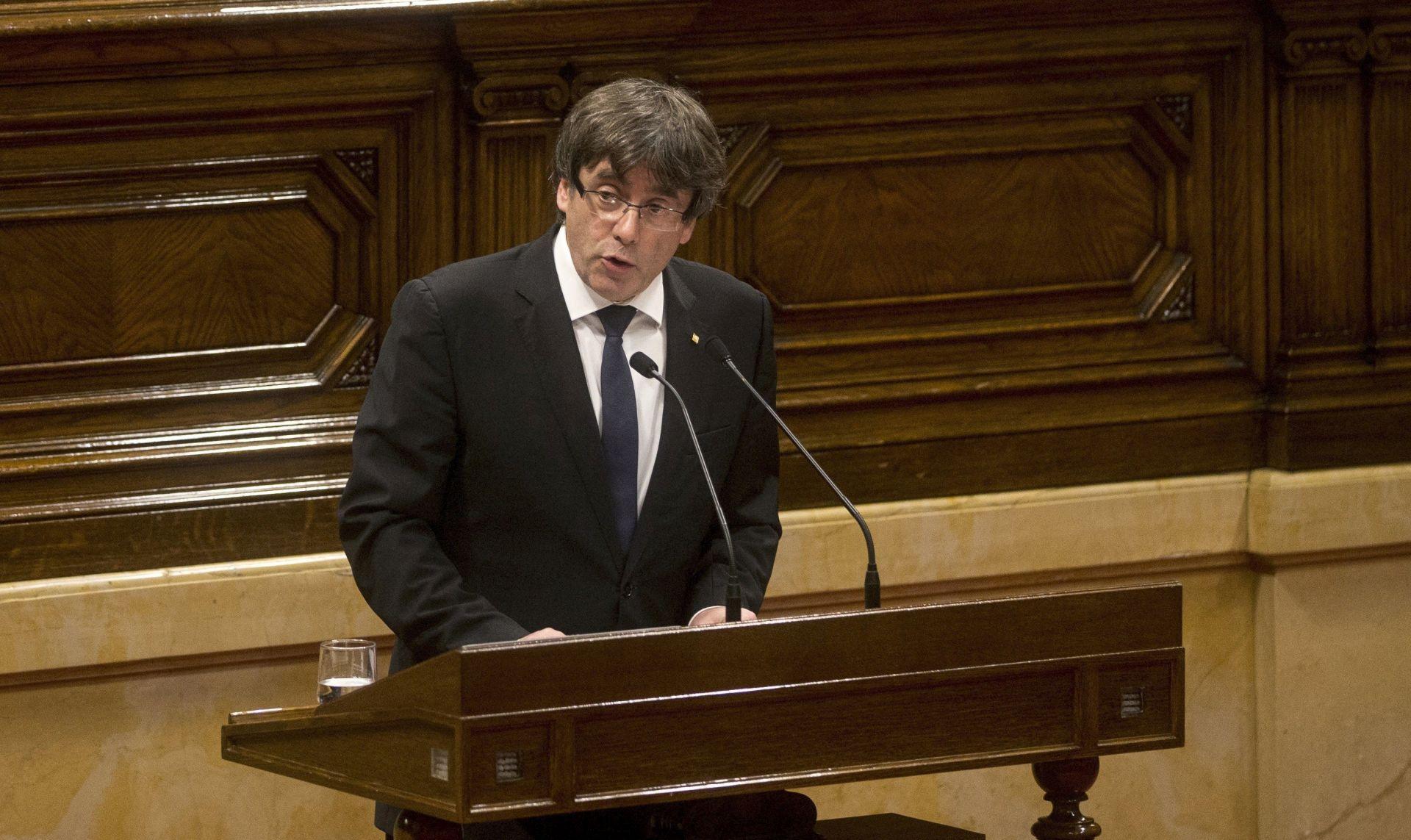 Puigdemont traži da mu se omogući povratak u Kataloniju