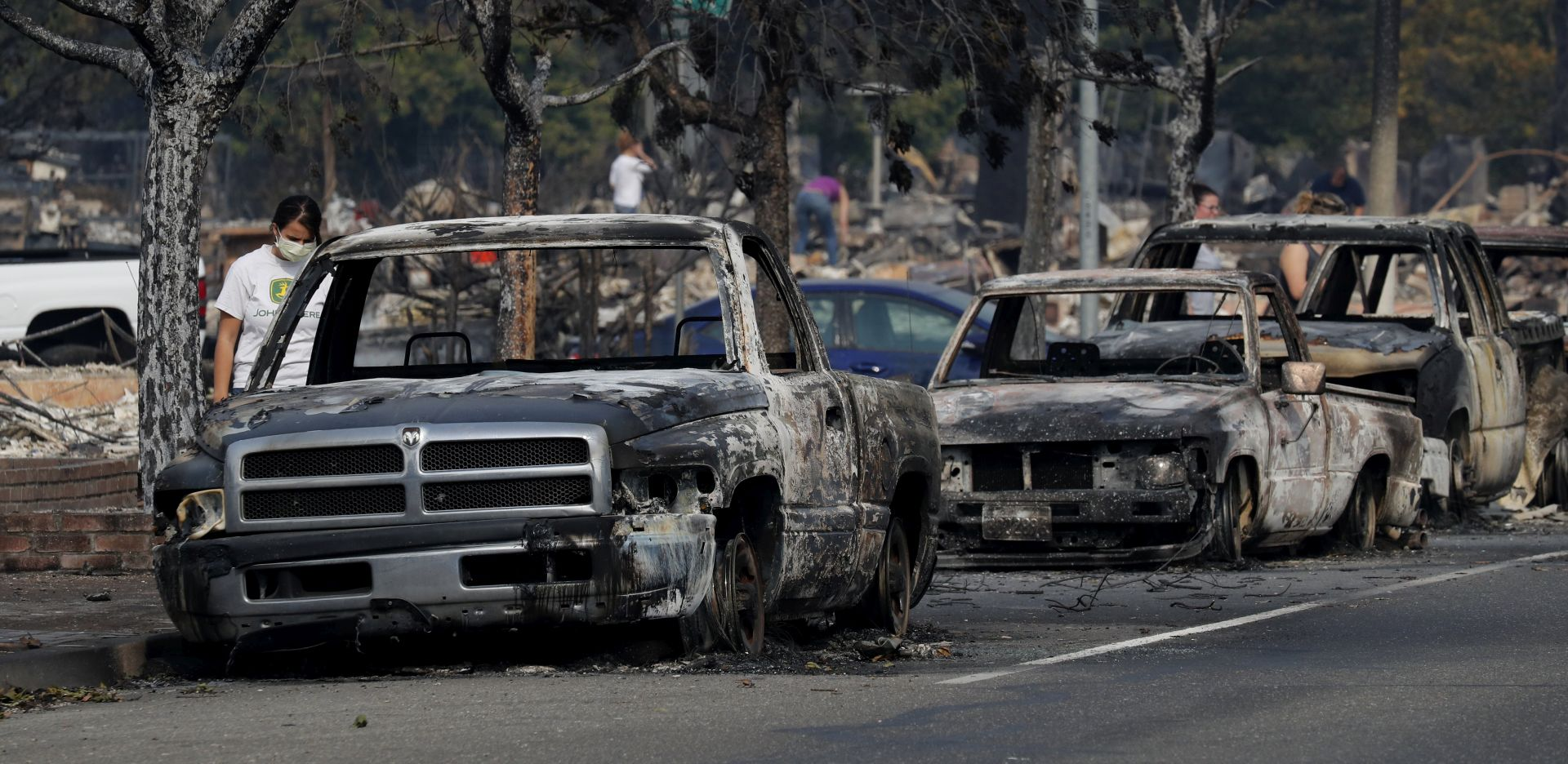 KALIFORNIJA U PLAMENU Najmanje 23 mrtvih, uništeno 3500 kuća