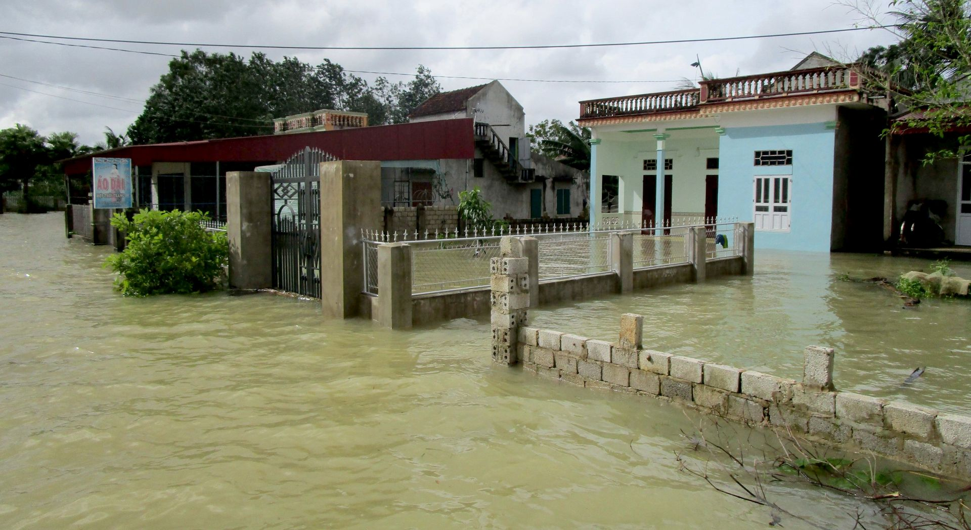 U poplavama u Vijetnamu 37 mrtvih