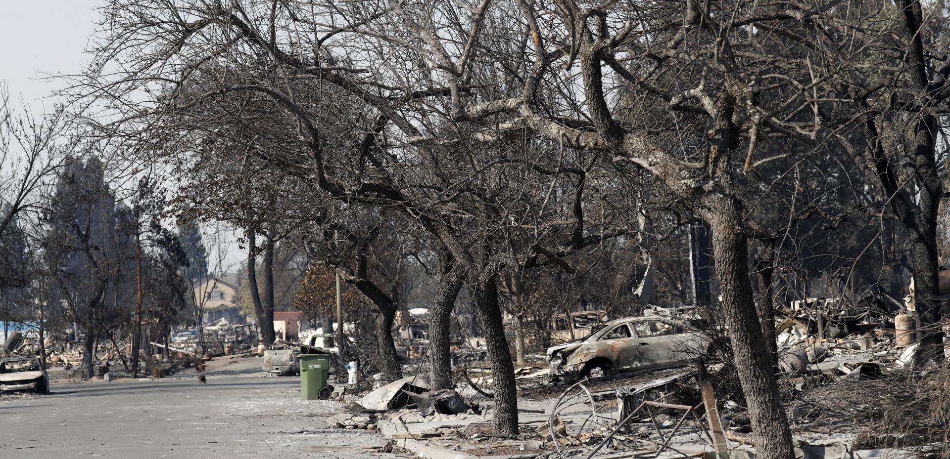 Šumski požari nastavljaju harati Kalifornijom