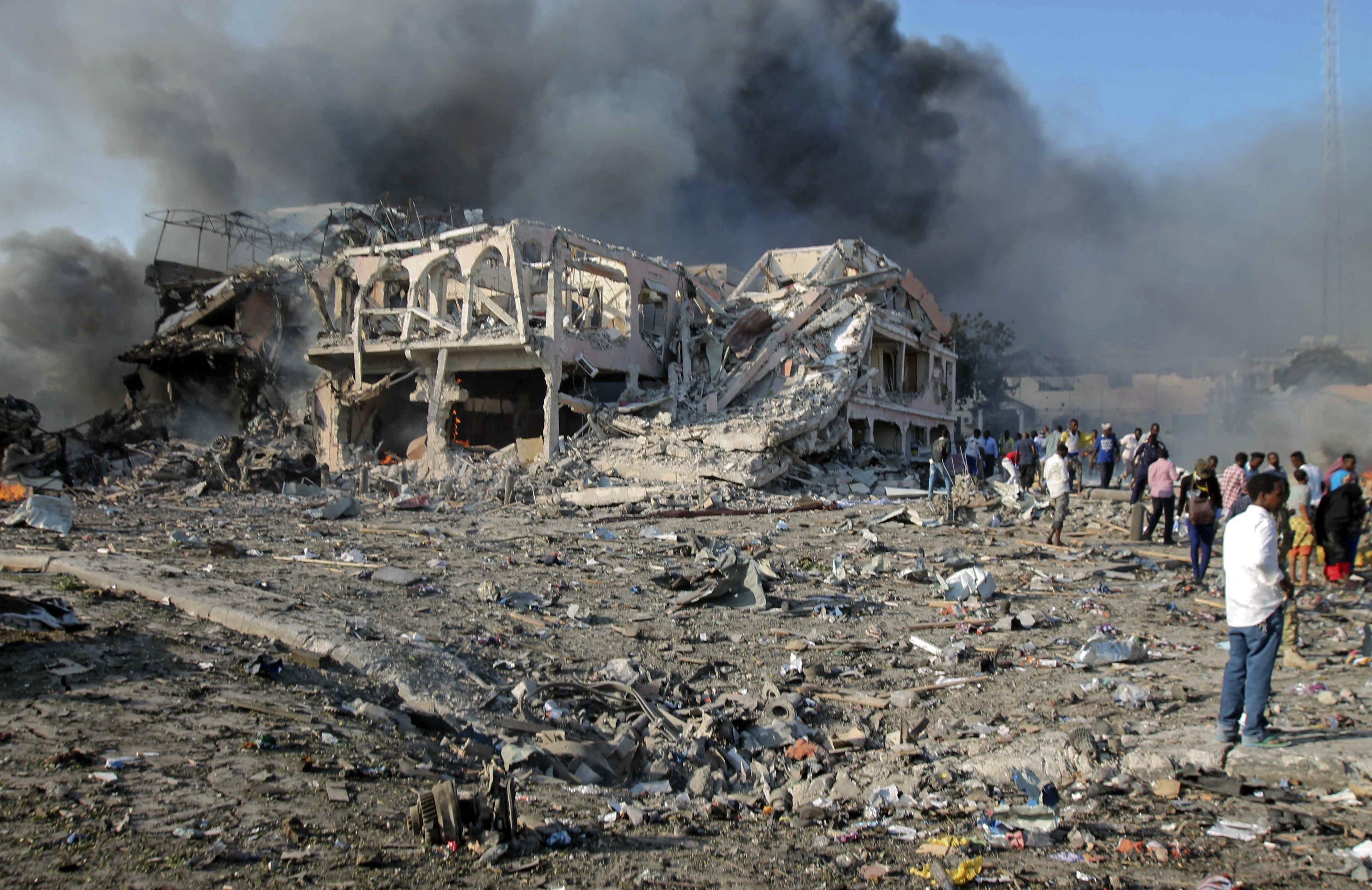 Najmanje 137 mrtvih u napadu u Mogadishuu