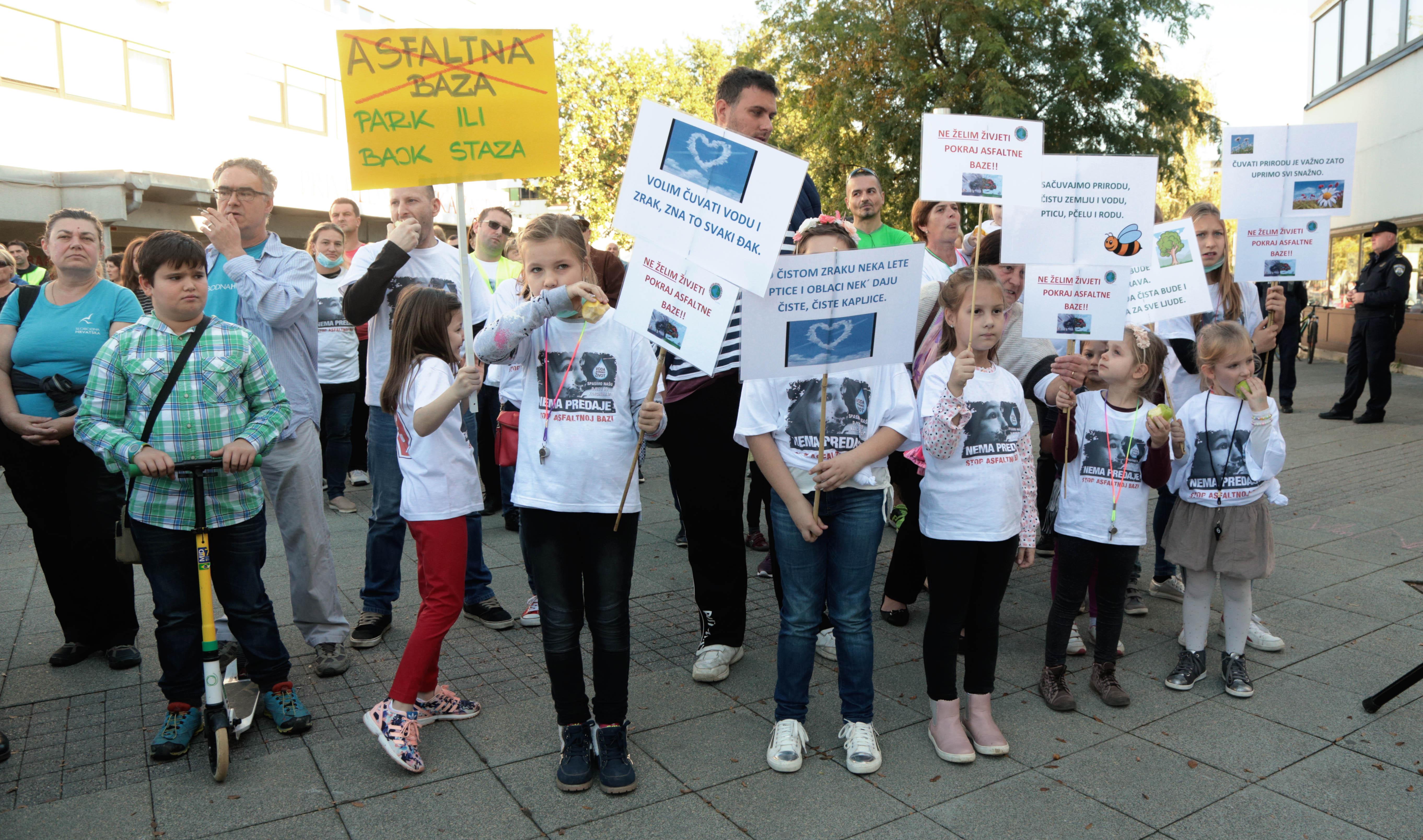 Prosvjed protiv izgradnje asfaltne baze u Donjoj Lomnici