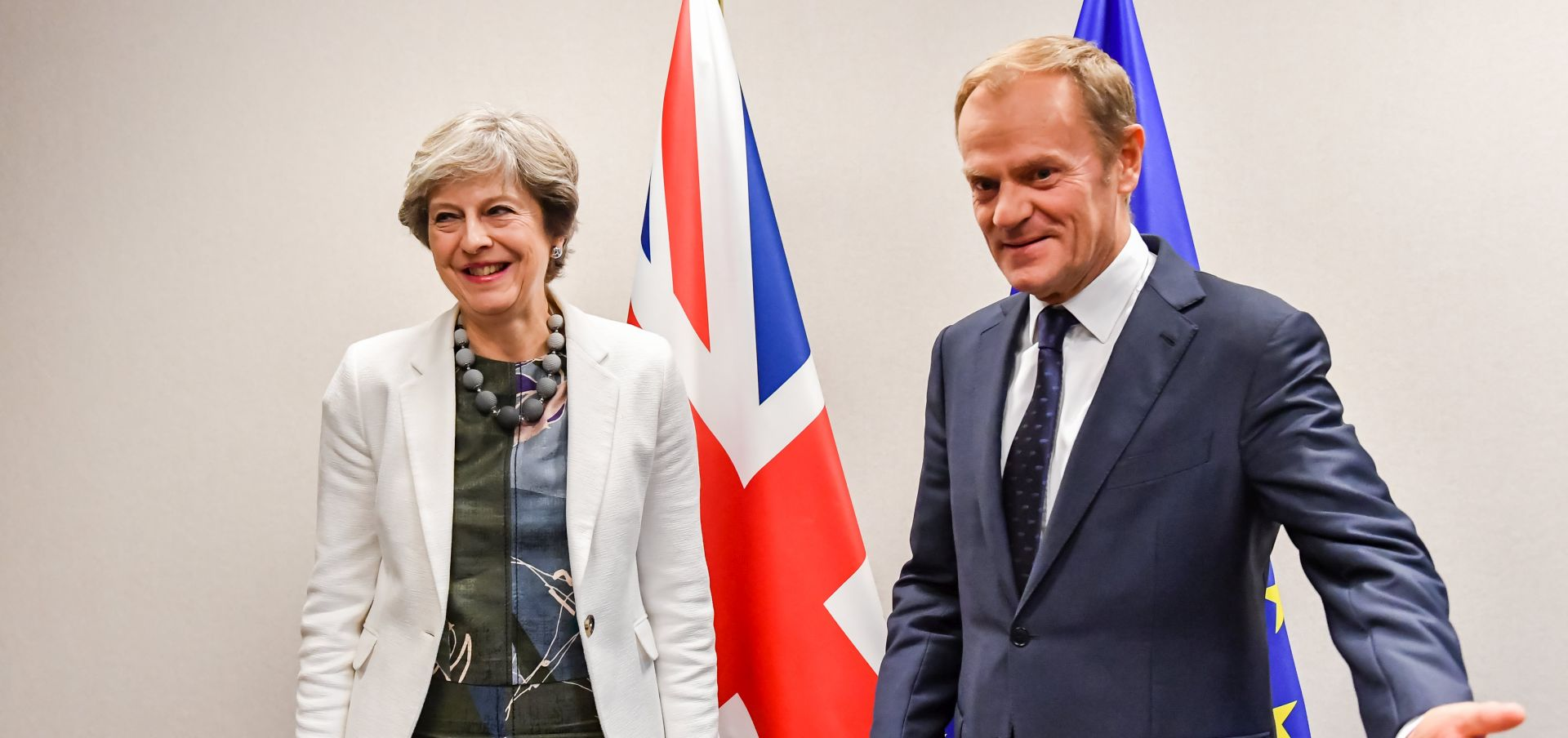 May ponovila da je spremna ispuniti financijske obveze, EU očekuje konkretne brojke