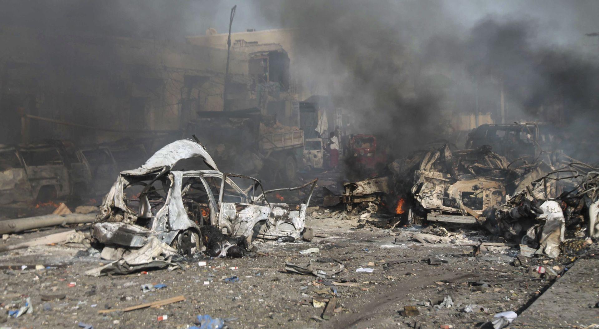 DVA TJEDNA NAKON KRVOPROLIĆA Dvije eksplozije potresle Mogadishu, militanti upali u hotel