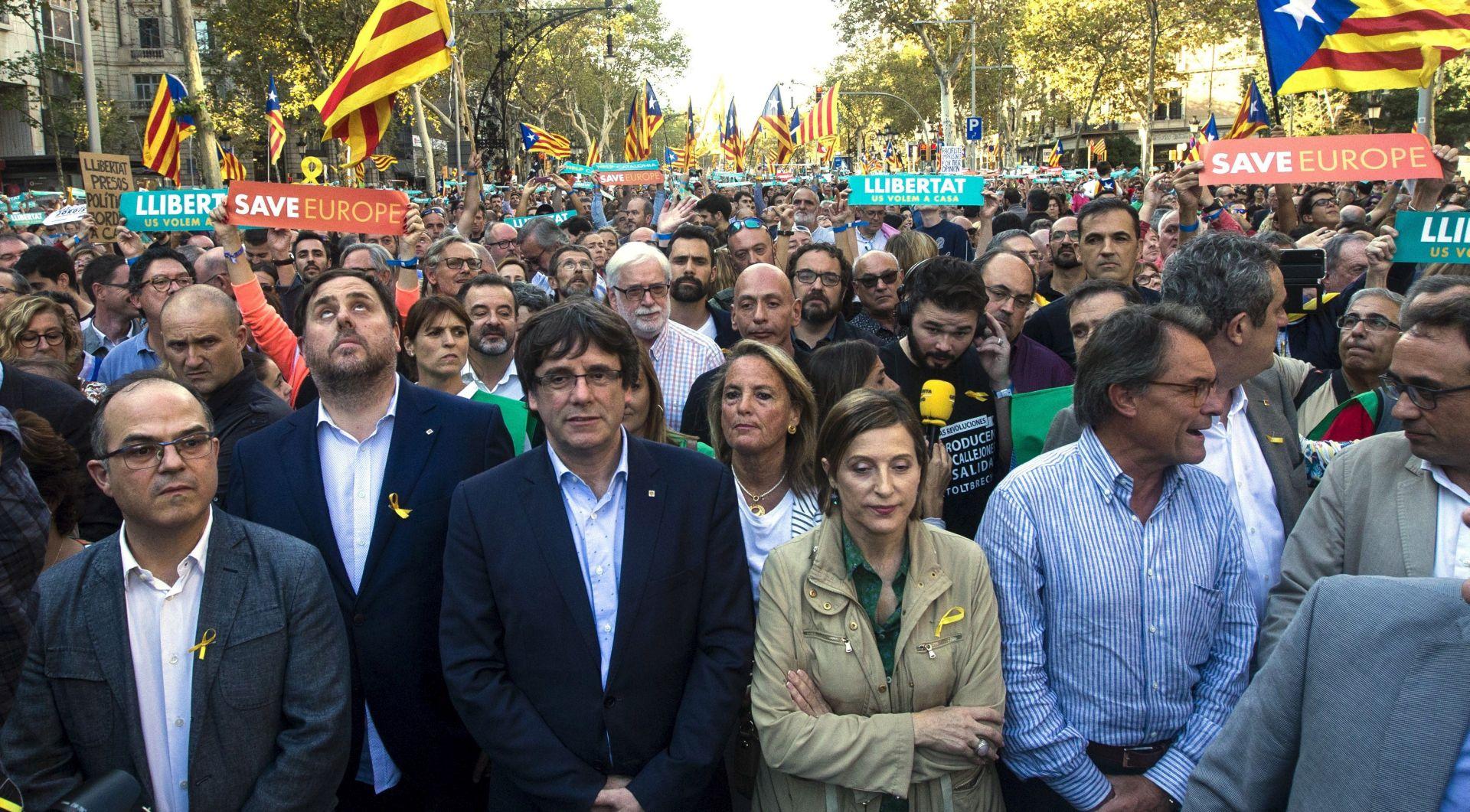 KATALONIJA prosvjednici blokirali ceste zbog Puigdemontova pritvaranja