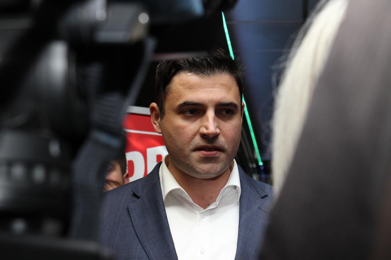 """BERNARDIĆ: """"Na glasanju o povjerenju Vladi bit će jasno tko je u kaljuži, a tko čist oko Agrokora"""""""