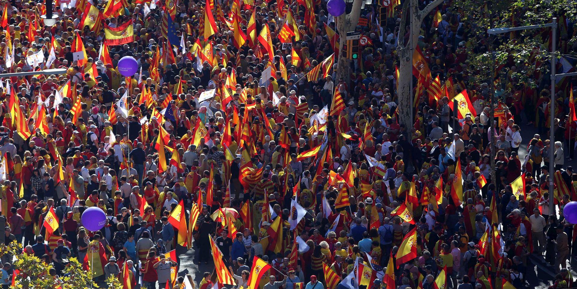 Madrid nastavlja direktno upravljati Katalonijom