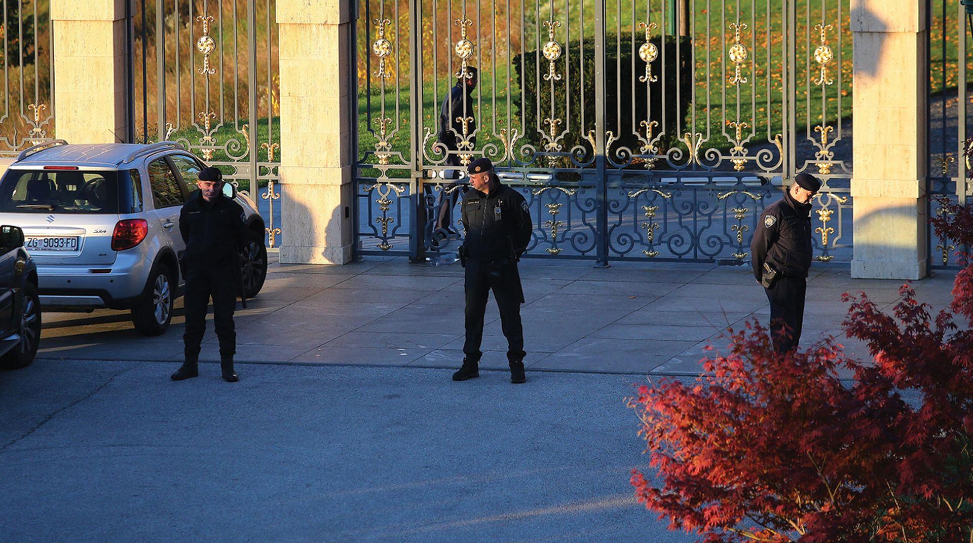 ČOGURIĆ 'Ante Todorić nije emigrirao, već u Londonu traži posao'