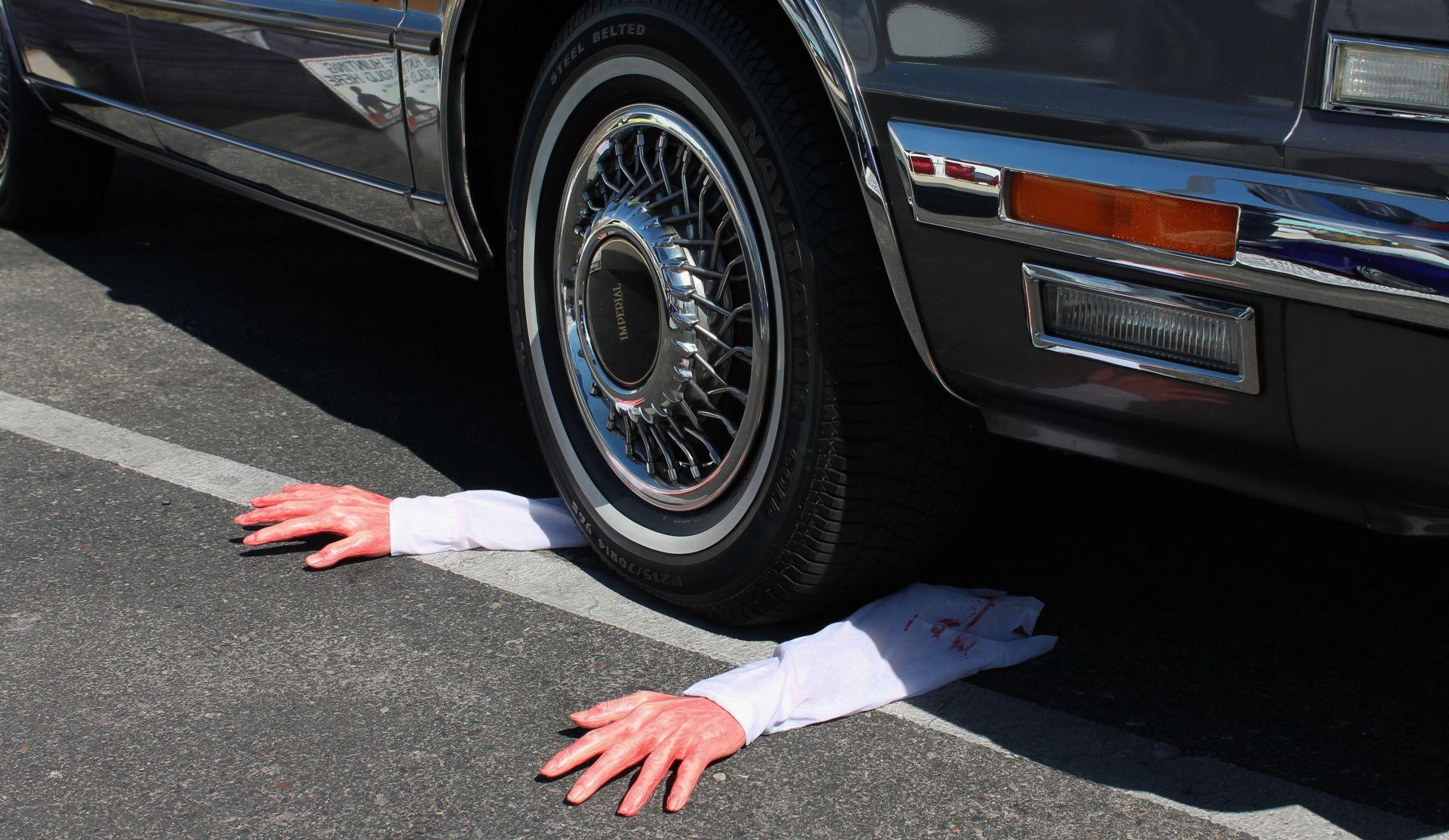 PILATOVSKO PRANJE RUKU Sad se nitko ne želi vozit u blindiranoj limuzini s strojnicom