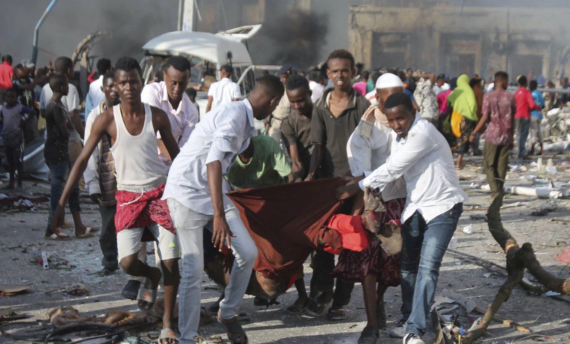 TRAGEDIJA Više od 90 mrtvih u ekploziji kamiona bombe u Mogadišuu