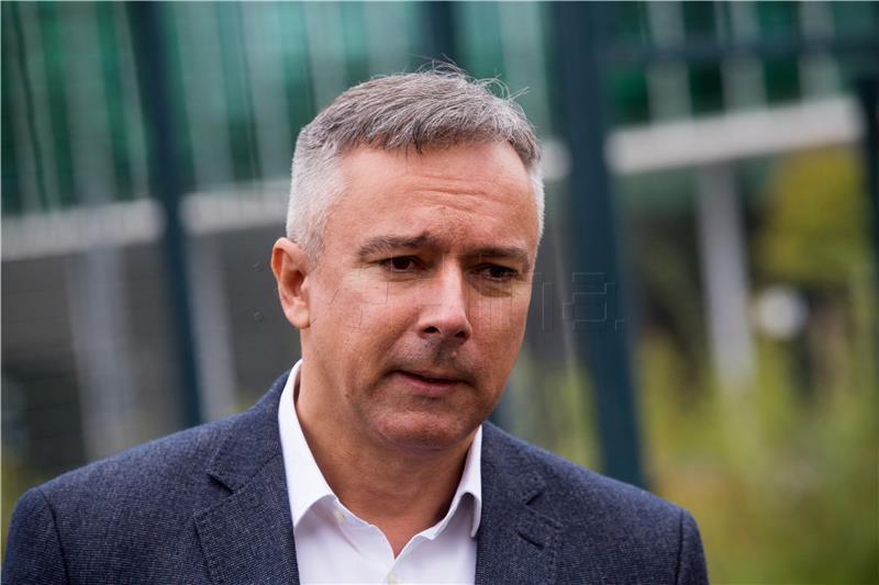 KOSOR 'I mene i članove Vlade iznenadio je ugovor koji je Ramljak potpisao s kreditorima'