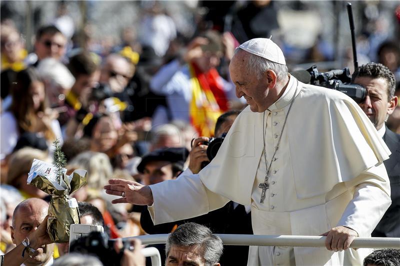 Papa rekao da moli za 'obraćenje nasilnika' u Somaliji