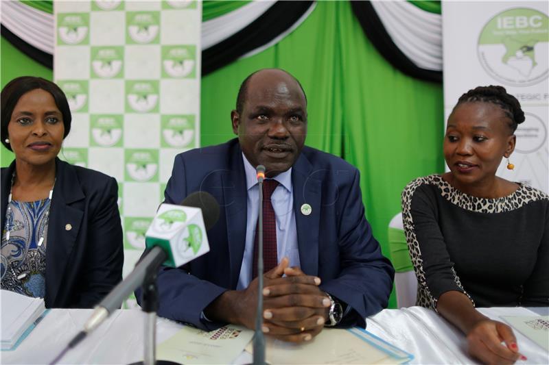 Kenijska izborna dužnosnica dala ostavku, upozorava na nevjerodostojne izbore