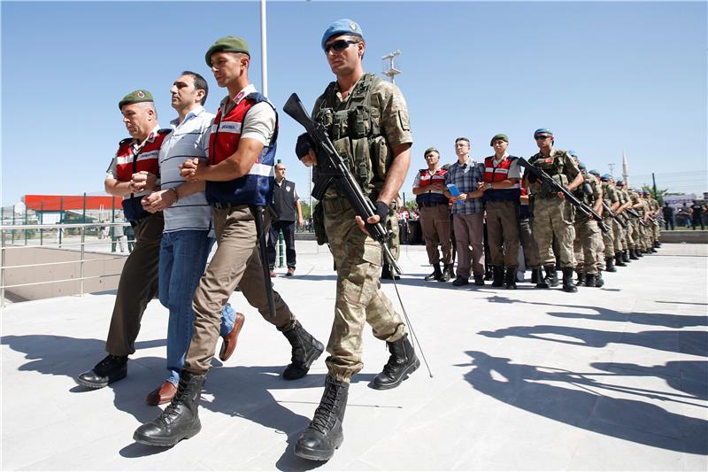 Nova uhićenja u Turskoj, među uhićenima i zaposlenik američkog konzulata