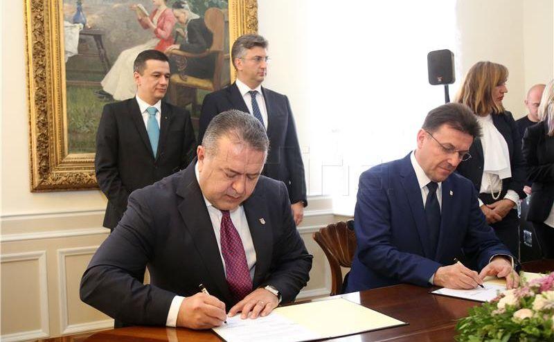 POVODOM KOLINDINOG SLUŽBENOG POSJETA RUMUNJSKOJ Rumunjsko-hrvatski gospodarski forum u utorak u Bukureštu