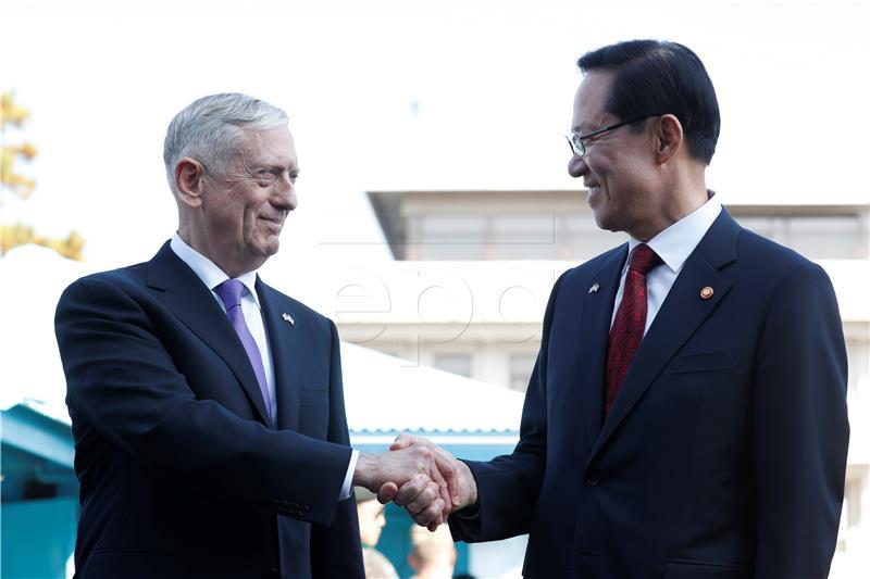Mattis zaprijetio 'snažnom vojnom reakcijom' Pjongjangu ako posegne za nuklearnim oružjem