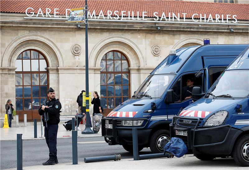 Francuska policija uhitila deset militanata krajnje desnice