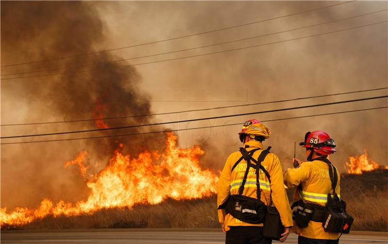 Najmanje 10 mrtvih u požarima u Kaliforniji