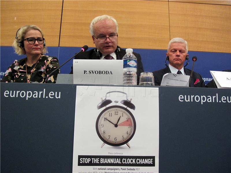 Europarlamentarci traže ukidanje pomicanja sata
