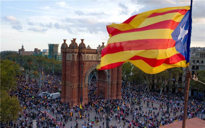 Katalonska stranka CUP poziva Puigdemonta da proglasi neovisnost