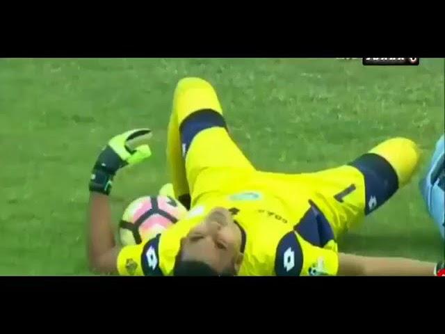 VIDEO: Legendarni vratar preminuo nakon sudara sa suigračem