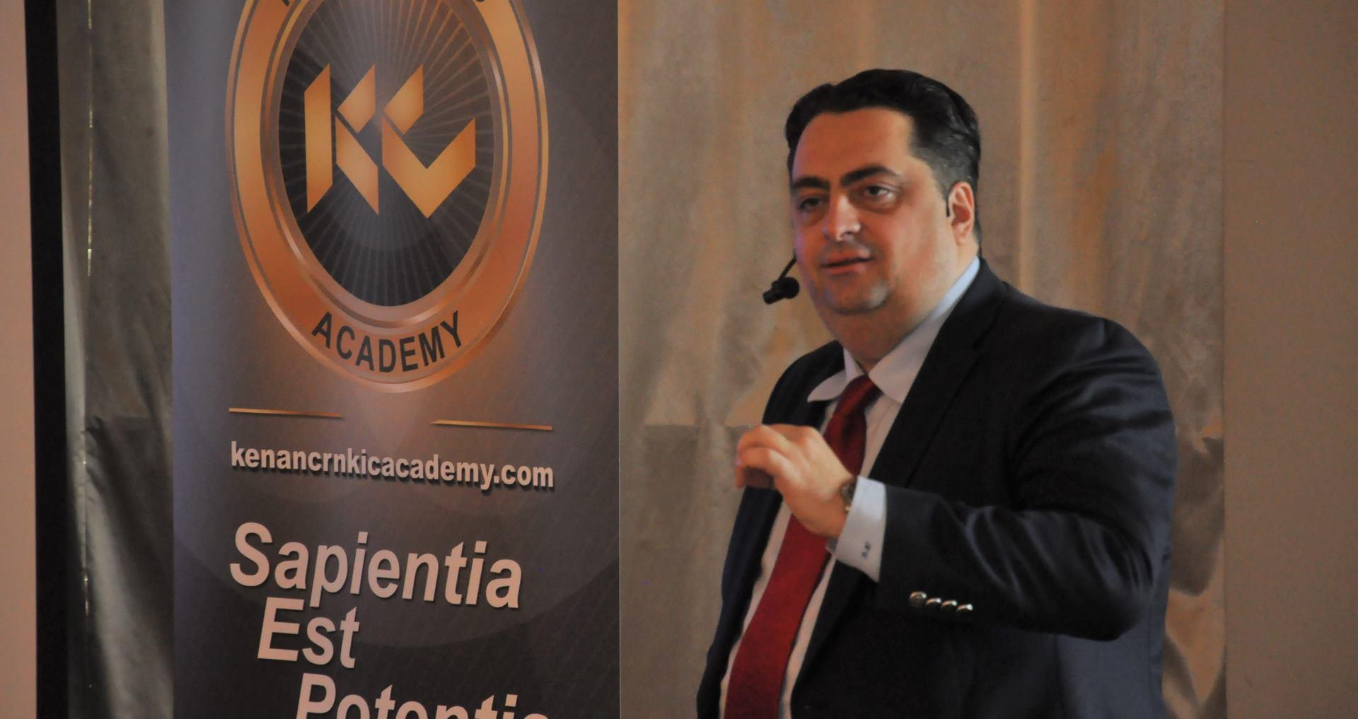 FOTO: Metoda osobnog rasta i razvoja menadžera Johna C. Maxwella predstavljena u Zagrebu