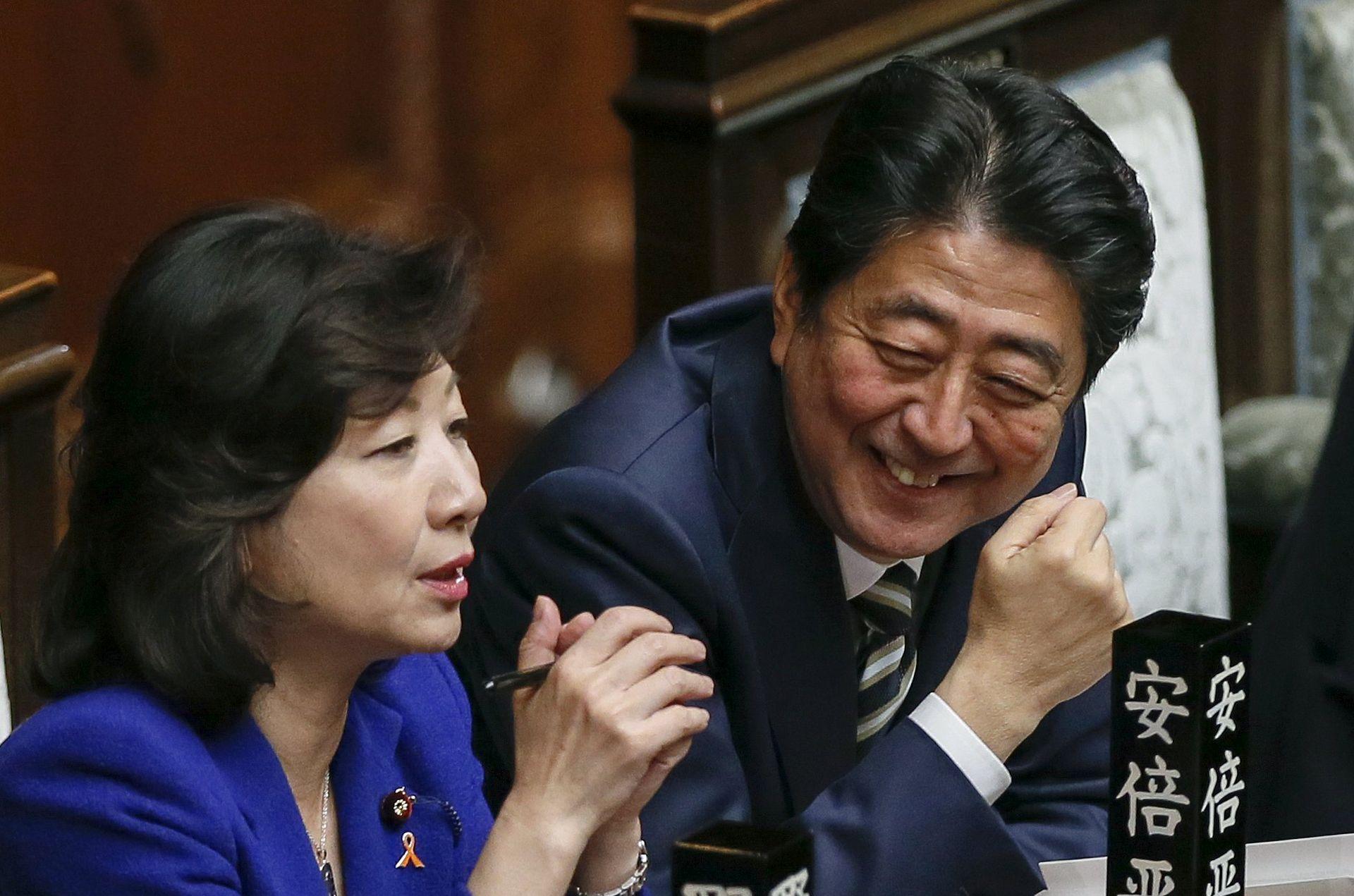 VELIKA IZBORNA POBJEDA Abe ponovno izabran za japanskog premijera