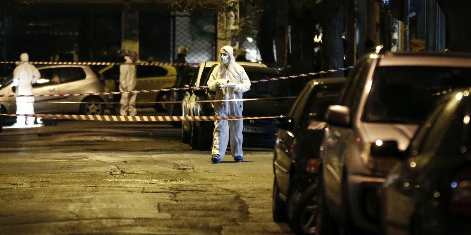 NEMA OZLIJEĐENIH Dvojica napadača pucala na sjedište stranke Pasoka u Ateni
