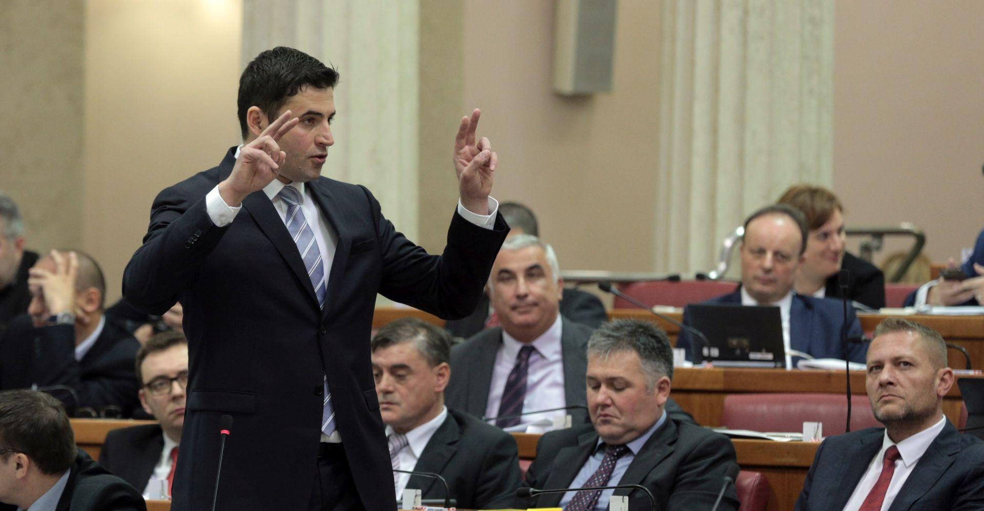 """BERNARDIĆ: """"Kad Plenković dođe u Bruxelles manji je od makova zrna i zavuče se u mišju rupu"""""""