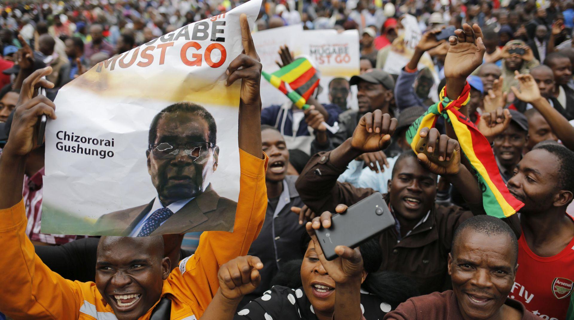 ZIMBABVE Policija blokirala sjedište oporbe, Chamisa tvrdi da je pobjednik izbora