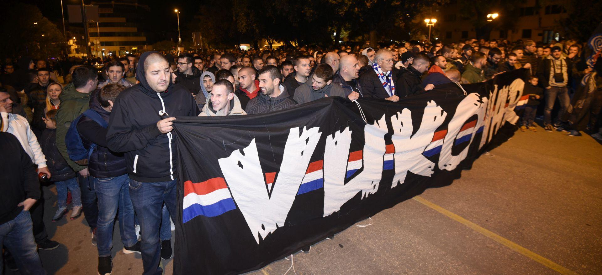 Torcida mimohodom odala počast Vukovaru i Škabrnji
