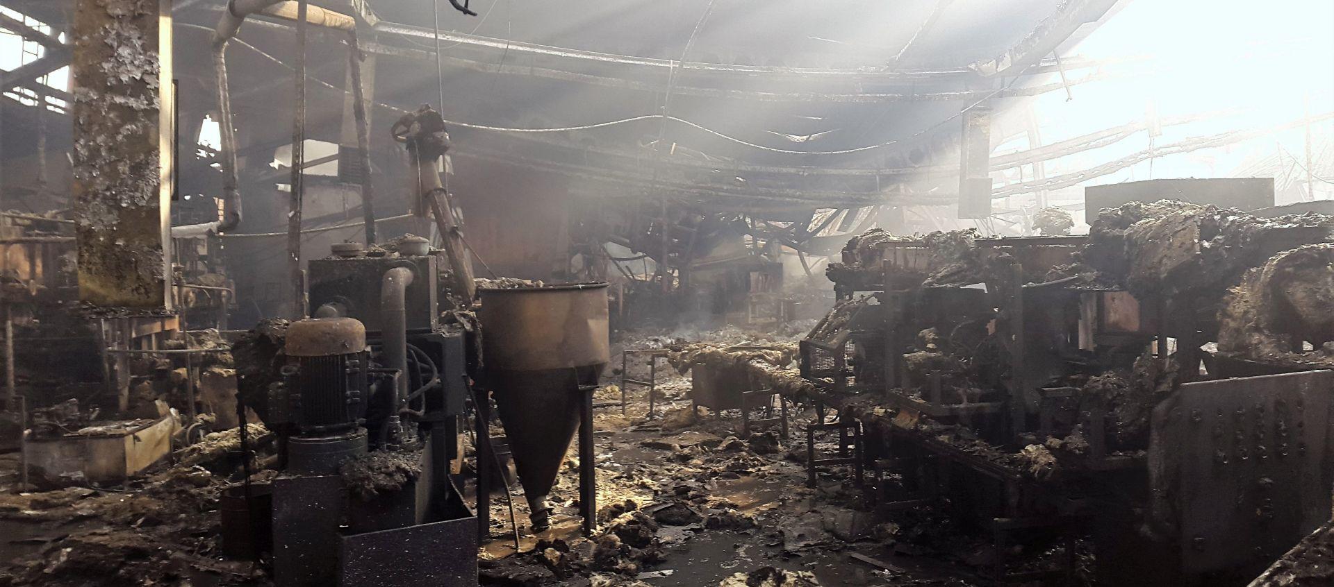 Policija utvrdila uzrok požara koji je 'progutao' tvornicu u Otočcu
