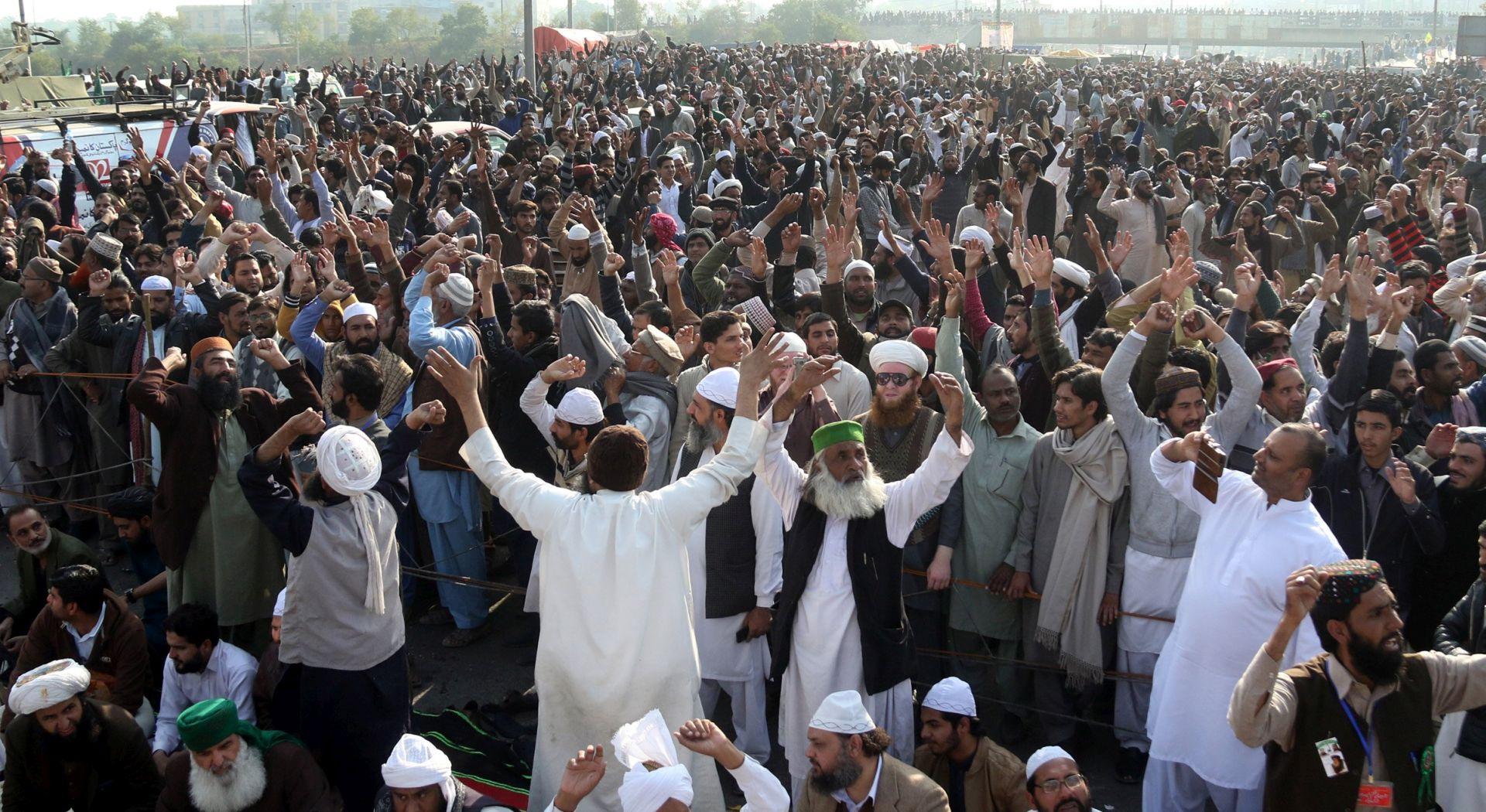 PAKISTAN Čelnici neće upotrijebiti silu protiv islamističkih prosvjednika