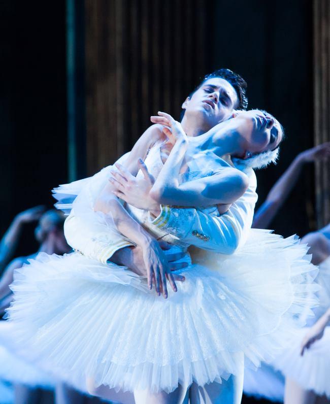 Finale ovogodišnje humanitarne akcije 'Korak u život' obilježila baletna predstava 'Labuđe jezero'