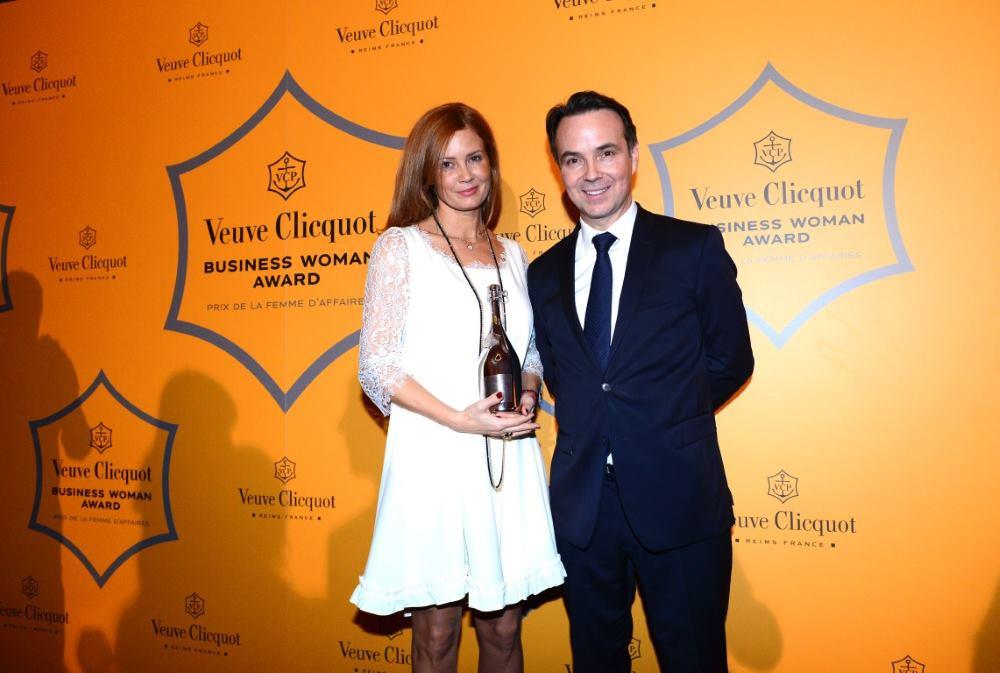 FOTO: Urška Šefman Sojer nagrađena je trofejom Veuve Clicquot Business Woman Award za srednju Europu